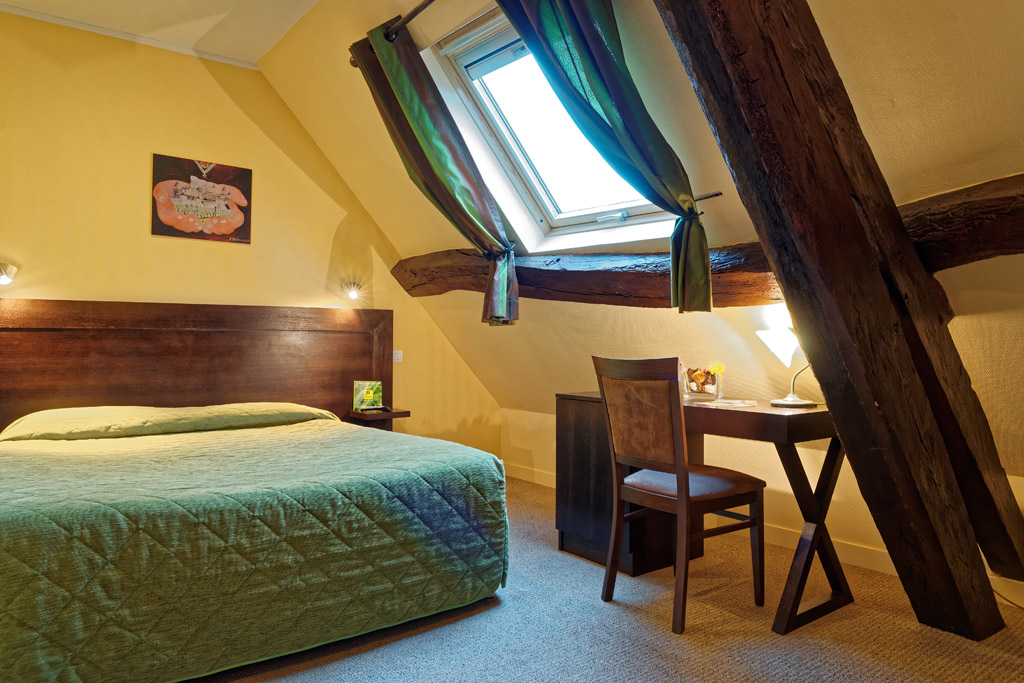 https://www.hotel-restaurant-trois-maures.fr/wp-content/uploads/2015/06/chambre-double-hotel-bourgogne8.jpg